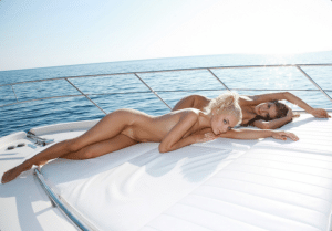 montreal-strippers-boats-and-hoes