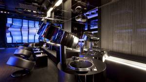 best-top-newest-montreal-nightclubs-rooftop-bar-Somwhr-Liquor-Lounge-2017-w-montreal-hotel-wunderbar